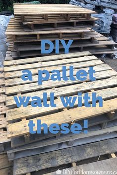Home Interior Velas First, find some pallets! They are everywhere and usually free for the taking. Bring some home to create this portable, foldable pallet wall that doubles as a place to store stuff out of sight. Pallett Wall, Wooden Pallet Wall, Pallet Wall Decor, Wooden Pallet Projects, Pallet Crafts, Diy Furniture Projects, Pallet Ideas, Pallet Backdrop, Diy Backdrop