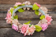 Materials Florists wire An old headband (check step five if you do not wish to use a headband) Ribbon (optional) Artificial flowers or fresh