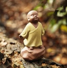 Small Buddha Statue monk color sand ceramic Figurine Sculpture Home Decoration Baby Buddha, Little Buddha, Buddha Zen, Buddhist Symbols, Buddhist Art, Buddhist Monk, Small Buddha Statue, Indian Gods, Sculpture Art