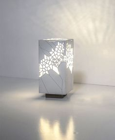 This Japanese-style organic Voronoi cellular structure light is Made of laser cut Plywood. It creates many beautiful shadows creating romantic, intimate atmosphere. Design represent minimalist and clean aesthetics from nature.