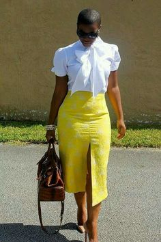 That Shirt! That Skirt, Bag, Glasses, Hair Cut & Heels! Tone down the split and definitely work attire. Casual Outfits, Cute Outfits, Fashion Outfits, Womens Fashion, Ladies Fashion, Dresscode, Work Attire, Work Fashion, Fashion Top