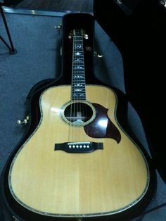 Gibson Songwriter Deluxe Custom Acoustic-Electric | 29jt Acoustic Guitars, Cool Guitar, Electric, Music Instruments, Universe, Artists, Classic, Derby, Acoustic Guitar