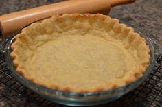 This one is for all you non-bakers out there. This is a simple fool-proof buttery, flaky pie dough method. You really can't mess this up and it's quite ver Easy Pie Crust, Pie Crust Recipes, Old Fashioned Pie Crust Recipe, Pie R Squared, Just Bake, Eat Dessert First, Food Processor Recipes, Delish