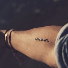 Pin for Later: 35 Tattoos, die eure Wanderlust perfekt bekunden