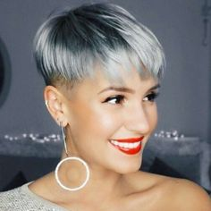 Short Gray Hair 2018 You are in the right place about short grey hair grunge Here we offer you the m Pixie Hairstyles, Pixie Haircut, Short Hairstyles For Women, Cool Hairstyles, Hairstyles 2018, Undercut Pixie, Natural Hairstyles, Pinterest Hairstyles, Haircuts