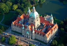 Neues Rathaus (Town Hall) Hannover, Exterior and general plan by Hermann Eggert, interior by Gustav Halmhuber, 1901-13