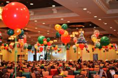 Christmas Balloon Décor by www.idealpartydecorators.com