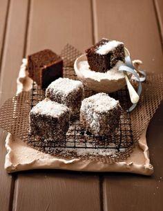 Ystervarkies met koek-uit-die-boks from SARIE African Cake, African Dessert, Kos, Cake Recipes, Dessert Recipes, South African Recipes, Cupcake Cakes, Cupcakes, Pretty Cakes