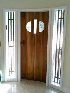 a convex Art Deco door interior by Donzine.dedicated to Mies Van der Rohe. Exterior Doors, Interior And Exterior, Art Deco Door, 1920s House, Art Deco Buildings, Traditional Doors, Modern Door, Love Your Home, Oak Doors