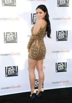 Ariel Winter Classy Sexy Outfits, Hot Outfits, Dress Outfits, Ariel Winter Hot, Arial Winter, Cute Little Girl Dresses, Military Girl, Girl Celebrities, Legs