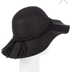 FLASH SALE! Floppy Black Derby Sun Hat Women's floppy black hat The classic look of the Women's Felight Floppy Hat from Merona elevates any look. The beautiful floppy hat takes a vintage approach with its chic design and floppy brim that protects your eyes from the sun. Easily dress it up or down with your favorite black dress and knee high boots or cute skinny jeans and a sleek top. 100% Wool Merona Accessories Hats