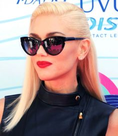 100 Hot Celebrity Hairstyles For Every Hair Type Famous Singer Gwen Stefani From her Famous No Doubt Miley Cyrus Style, Gwen Stefani Style, Thing 1, Famous Singers, Nicole Richie, Rosie Huntington Whiteley, Celebrity Hairstyles, Blake Lively, Fashion Advice