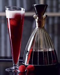 Red Velvet Recipe from Food & Wine This riff on the Black Velvet replaces the Champagne with Prosecco and the Guinness with raspberry-flavored lambic, a type of wheat beer made with wild yeasts.