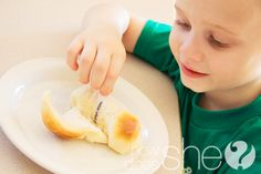 Delicious Dinner Rolls | How Does She..   I'm going to do this at Thanksgiving.