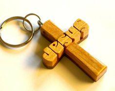 Cruz de madera llavero - Colgante con cordón - JESUS - cerezo nogal y