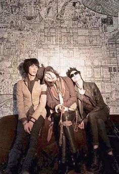 Palaye Royale, One of my favorite bands at the moment! If you haven't already you should definitely check them out!