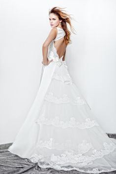 Open Back Wedding Dresses (Source: fashionbride.files.wordpress.com)
