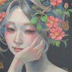 Les délicates peintures de femmes mélangées aux fleurs de Miho Hirano  Dessein de dessin