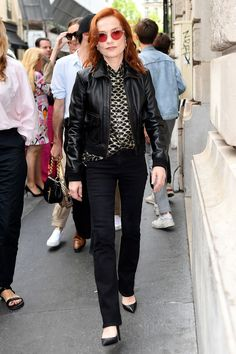 Celebrities at Couture Fashion Week 2019 – Couture front row Isabelle Huppert, Spring Summer Trends, French Chic, Red Carpet Fashion, French Fashion, Fashion Over, Couture Fashion, Front Row, Style Icons