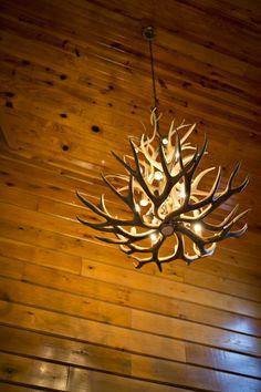 Antler Chandelier in a Gastineau Log Home. http://www.oakloghome.com