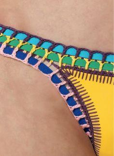 O biquini neon com crochê, que já foi usado por várias celebridades, apareceu ontem na novela Verdades Secretas. A atriz Camil... Love Crochet, Crochet Lace, Bikini Crochet, Mode Du Bikini, Bikini Inspiration, Crochet Dishcloths, Diy Clothing, Crochet Clothes, Couture