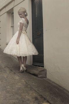 En un vestido corto los zapatos son importantes