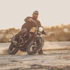 Riding season is finally here 🏍 Flat Tracker, Street Tracker, Dirt Track, Men's Grooming, Bobber, Motorbikes, Yamaha, Harley Davidson, Honda