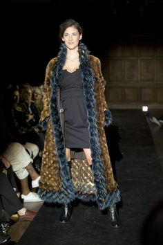 All the latest fashion trends in Montreal : news, events calendar, videos and many more. Fashion 2015, Latest Fashion Trends, Autumn Fashion, Montreal, Jackets, Design, Down Jackets, Fall Fashion