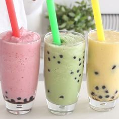 Bubble Tea Guilt-free bubble tea is so delicious, and most of the ingredients can easily be found at your local grocery store!Guilt-free bubble tea is so delicious, and most of the ingredients can easily be found at your local grocery store! Smoothie Drinks, Healthy Smoothies, Healthy Drinks, Healthy Snacks, Healthy Recipes, Boba Smoothie, Food And Drinks, Mango Smoothies, Healthy Popsicles