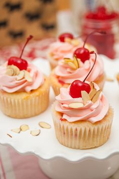 Cherry Almond Cupcakes - sweet maraschino cherries and almonds shine in this splendid springtime cupcake. Almond Cupcakes, Cherry Cupcakes, Easter Cupcakes, Birthday Cupcakes, Mocha Cupcakes, Banana Cupcakes, Cheesecake Cupcakes, Flower Cupcakes, Velvet Cupcakes