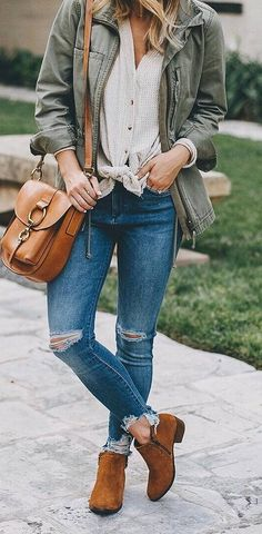 how to wear a jacket : shirt + bag + rips + boots #casualstyle #stylingideas #streetfashion