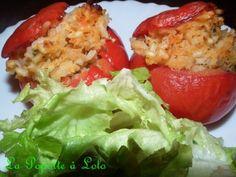 Source : Maxi cuisine juin juillet 2012 Ingrédients pour 4 gourmands : 4 belles tomates ou 8 petites 200 g de filet de poisson blanc 1 oignon 2 gousses d'ail 70 g de riz à risotto 25 cl de bouillon de légumes 20 g d'olives noires (je n'en ai pas mis)...