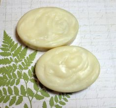 White Tea and Ginger handcrafted Avocado Oil soap from The Mermaid Apothecary at etsy.com