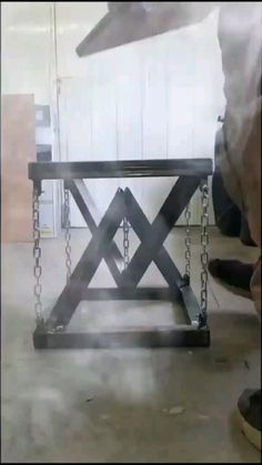 Diy Furniture Table, Metal Furniture, Industrial Furniture, Cool Furniture, Furniture Design, Chair Design, Welding Projects, Diy Wood Projects, Furniture Projects