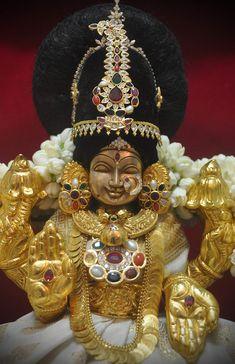 Lord Rama Images, Lakshmi Images, Radha Krishna Pictures, Durga Goddess, Hindu Deities, God Pictures, Lord Krishna, Ganesha, Worship