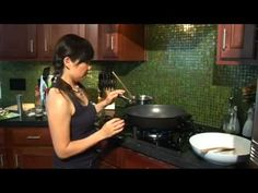 ▶ Banh Canh Xao Tom - Cathy Ha's Cooking Express - YouTube