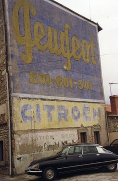 Ghost sign in France