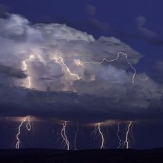 Lightning storm over Kanab, Utah. Photography by emoji @q__j.