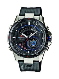 Casio Edifice Red Bull Racing ERA-200RBP-1AER férfi karóra. Red Bull Racing szériás Casio elemes óraszerkezettel működő férfi karóra. 46,7 mm-es óratokkal, fekete számlappal, fekete műanyag szíjjal és ezüst nemesacél csattal rendelkezik. Kiváló extra szolgáltatásokat képvisel a világidő, hőmérő, átlagsebesség mérő és iránytű benne, melyet automata LED világítás és stopper egészít ki. KATTINTS IDE!
