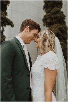 Summer Wedding Suits, Green Wedding Suit, Best Wedding Suits, Tuxedo Wedding, Wedding Bride, Sequin Wedding, Dark Green Suit Men, Green Tuxedo, Wheat Wedding