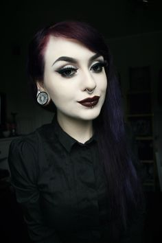 Three Gothic Fashion Tips That You Should Use Goth Beauty, Dark Beauty, Alternative Makeup, Alternative Girls, Death Metal, Cyberpunk, Gothic People, Gothic Mode, Gothic Makeup