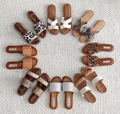 Trendy Sandals, Cute Sandals, Women's Shoes Sandals, Leather Sandals, Shoe Boots, Greek Sandals, Hippie Shoes, Pretty Shoes, Dream Shoes