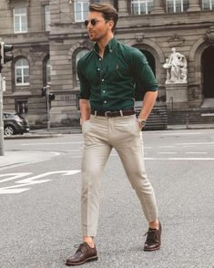 Looking for some smart business casual outfits? Try these 5 amazing business casual outfits you can try not to look sharp. #business #casual #mens #fashion #street #style #Mensoutfits