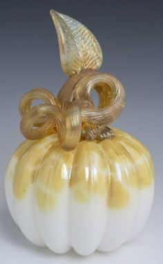 Pumpkin Art, Glass Pumpkins, Shades Of Gold, Vintage Perfume Bottles, Glass Ceramic, Pumpkin Decorating, Hand Blown Glass, Amazing Art, Glass Art