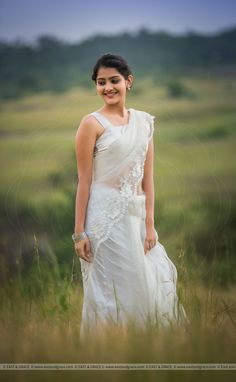 Beautiful Girl Indian, Beautiful Girl Image, Beautiful Saree, Beautiful Indian Actress, Cute Beauty, Beauty Full Girl, Allu Arjun Hairstyle, Girls White Dress, Indian Girls Images