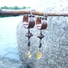 Oriental boho hoop earrings with leaves pattern / Etched copper with natural garnet and citrin dangle earrings - pinned by pin4etsy.com