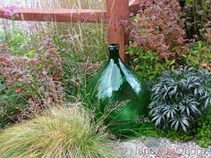 Exactly why I must add inorganic design in my gardens - it just looks cool.