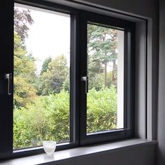 Architects should always consider future-proofing bedroom windows for hidden blinds. A frame around the window enables later installation of concealed blackout blinds. Aluminium Windows And Doors, Upvc Windows, Sliding Windows, House Windows, Aluminium Window Design, Exterior Windows, Sliding Window Design, House Window Design, Bedroom Window Design