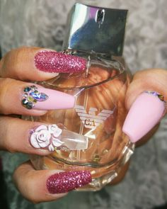 Voss Bottle, Water Bottle, Nails, Finger Nails, Ongles, Water Bottles, Nail, Nail Manicure