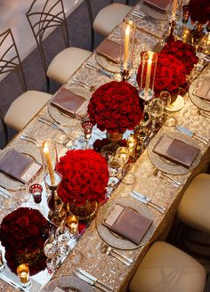 Reflective surfaces can add a big dose of style and glamour to any table. Think of it as a way to maximize the effect of all the stunning candles, vases and florals you've chosen. #weddingcenterpiece